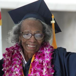 Querer es poder: licenciados con más de 90 años