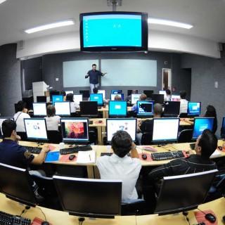 Las TIC entran en la universidad con paso muy lento