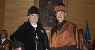 El físico Joseph J. Monaghan, doctor honoris causa por la UPM