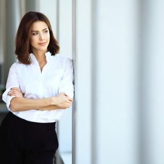 ¿Por qué las mujeres siguen sin llegar a lo más alto de la empresa en España?