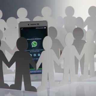 ¡Atención! Meter a gente en un grupo de WhatsApp no es legal