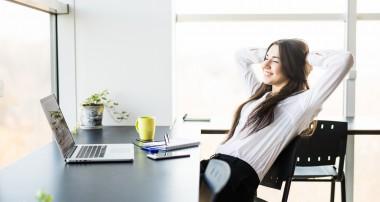 Más chicas, con más edad y más estudios: así crece el empleo en 2018