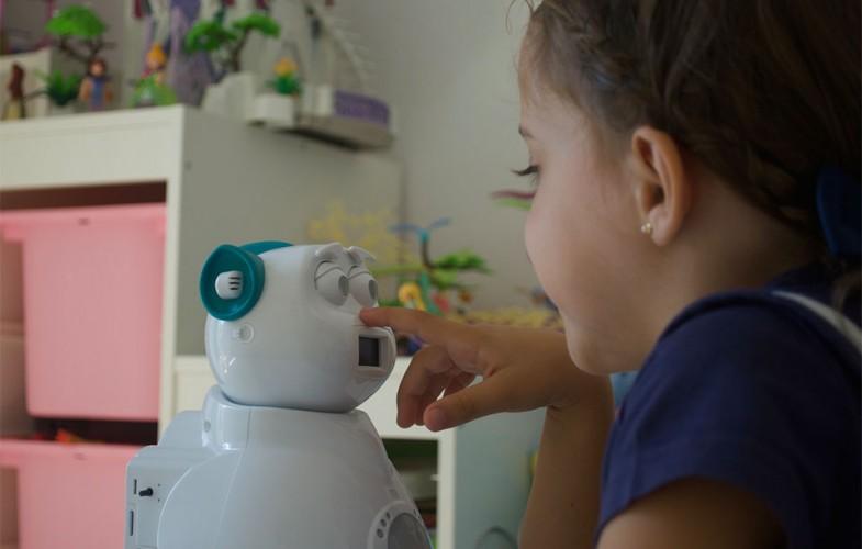 Computación afectiva: el éxito del robot Aisoy1 Kik con niños autistas y con déficit de atención
