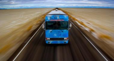 El 'Lennon Bus' inicia su gira 'Come Together'