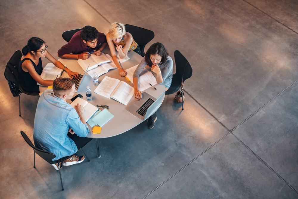 fundación exit estudiantes grado medio