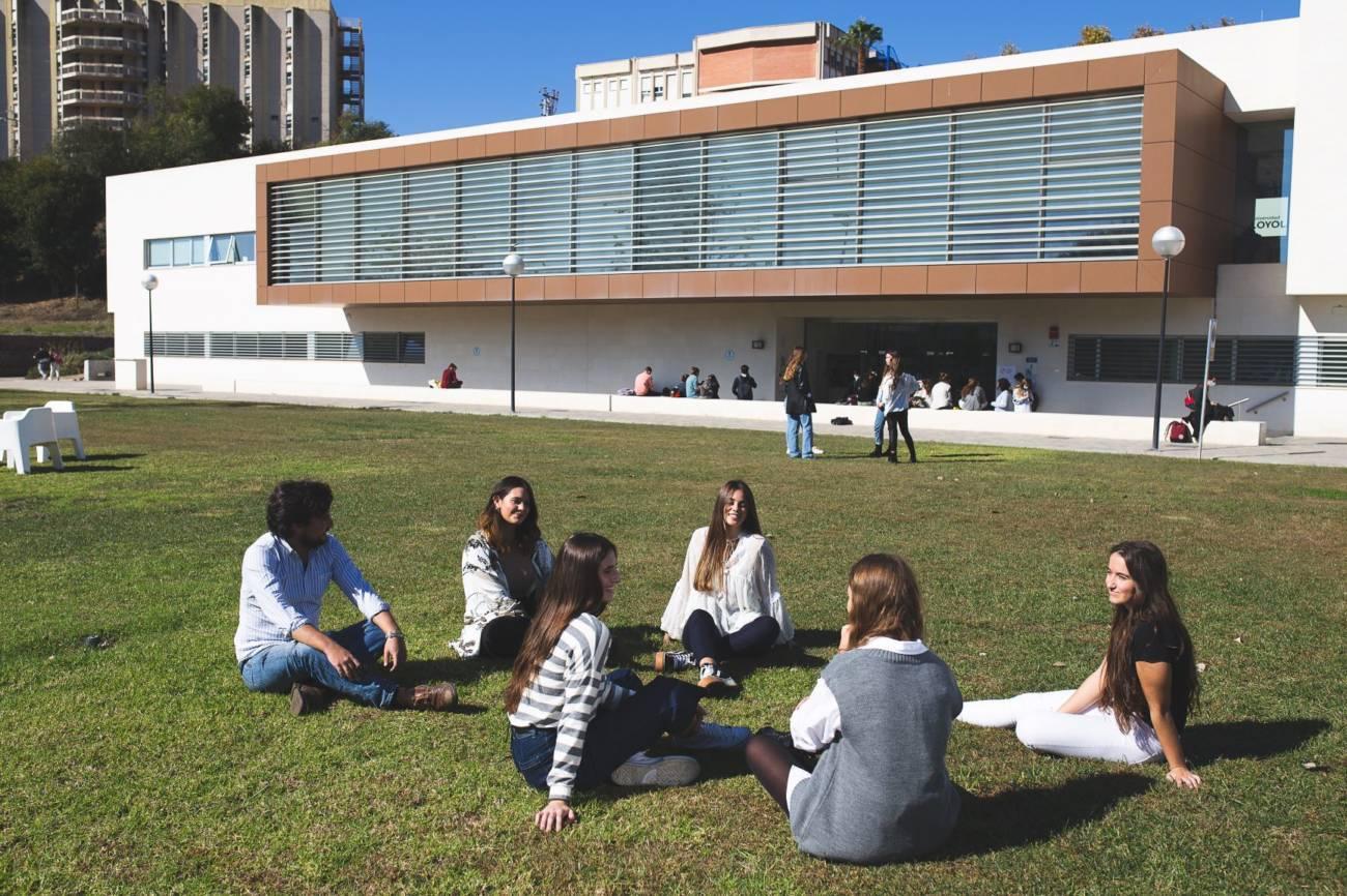 universidad loyola Grados dobles y bilingües: internacionales y con alta empleabilidad