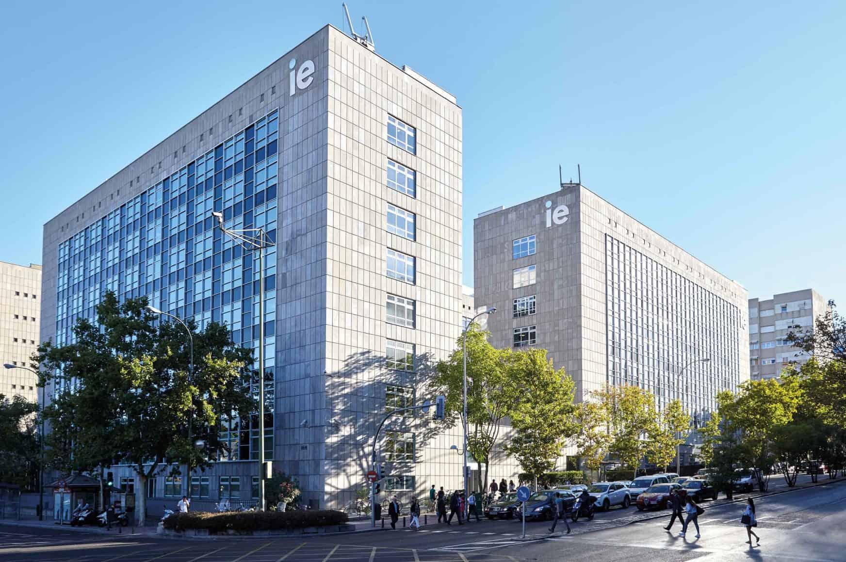 IE University